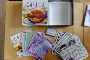 Content of the box of the boardgame Calico