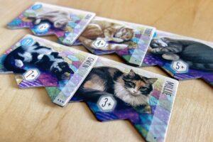 Cute cat scoring tiles