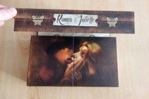 Roméo & Juliette : Le plateau de jeu est intégré dans la boîte