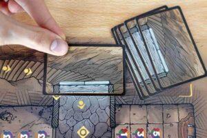 Reflets d'Acide ! : Placez une carte porte face cachée juste avant le Gouffre.